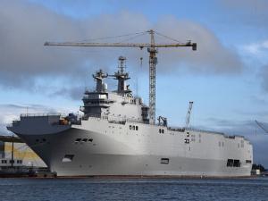 Россия еще может получить вертолетоносцы Mistral: в Париже считают, что рано говорить о провале сделки