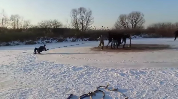 Скоростная езда на санках