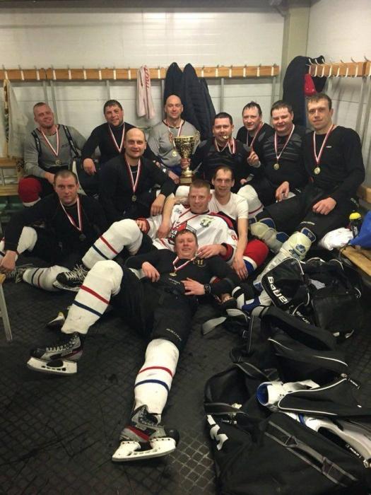 Нарвитяне едут на чемпионаты Мира по хоккею