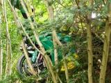 Гонщик потерял равновесие и залетел вместе с мотоциклом на дерево