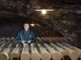 Процесс производства во Франции сыра рокфор по старинным рецептам