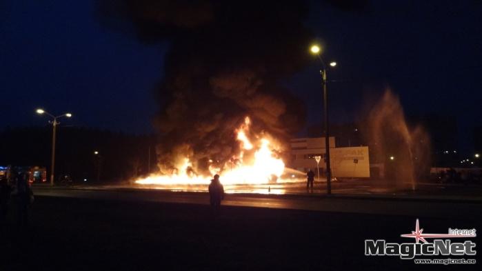 Полиция нашла поджигателей пластиковых труб в Нарве, ими оказались дети