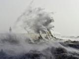 Мощный шторм «Элеонора» обрушился на Великобританию