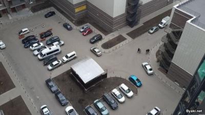 Для тех, кто жалуется на парковку в своем дворе