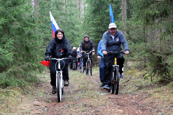 Представители Нарвы и Ивангорода совершили велопоход, посвященный 70-летию Победы