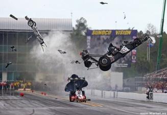 Американский драг-рейсер Ларри Диксон уцелел в страшной аварии