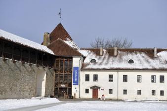 В Нарву все больше приезжает отдохнуть эстоноземельцев