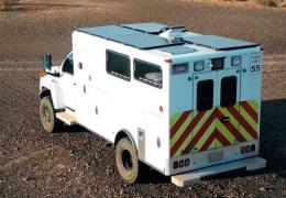 Американец превратил списанную машину скорой помощи в удобный дом на колесах