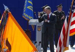 Порошенко поблагодарил США за санкции против России
