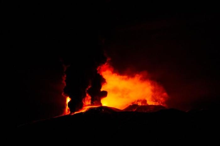 Захватывающая дух картина извержения вулкана Этна