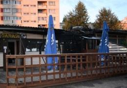 """Суд снял обвинение в убийстве с мужчины, застрелившего человека возле бара """"Оболонь"""" в Нарве"""