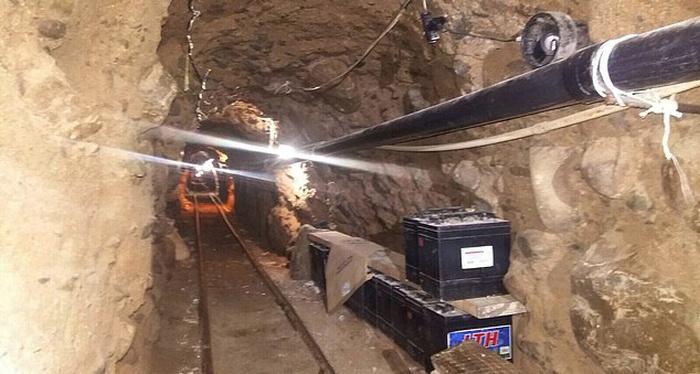 На границе между Мексикой и США нашли 800-метровый тоннель и 10 тонн марихуаны