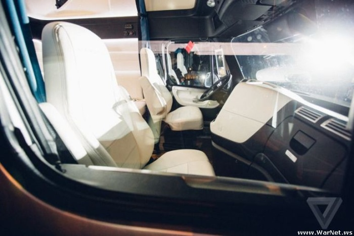 В США состоялась премьера самоуправляемого грузового автомобиля от концерна Daimler