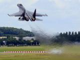 Впервые за границей: российский Су-35С показал высший пилотаж на авиасалоне в Ле Бурже (ВИДЕО)