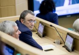 """Журналисты получили доступ к миллионам документов о бенефициарах люксембургских компаний - это топ-менеджеры РЖД, """"Роснефти"""" и """"Газпрома"""""""