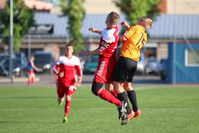 4 победы подряд вывели футболистов Narva United в лидеры второй лиги Эстонии