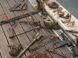 На магнитной рыбалке 6-летняя девочка случайно выловила из реки целый арсенал