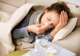 Во время гриппа вакцинироваться врачи не советуют - поздно