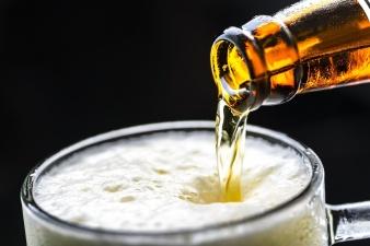 В Нарве пока не стали вводить ограничения на время работы баров