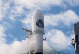 SpaceX запустила ракету Falcon 9 с засекреченным разведывательным спутником США