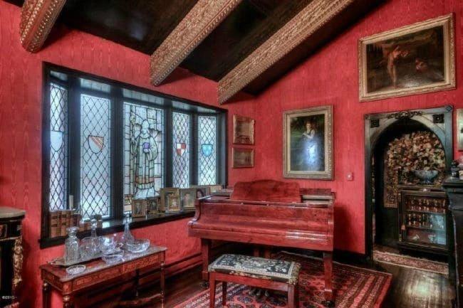Внешне непримечательный дом графини с невероятным интерьером