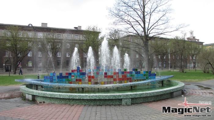 """Ремонтировать фонтан около ДК """"Ругодив"""" в Нарве некому"""