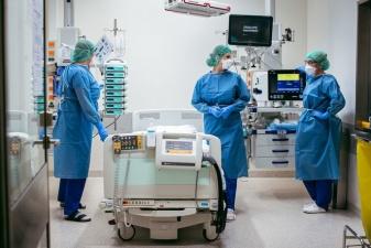 В Эстонии добавилось 996 новых случаев заражения коронавирусом, умерли четыре человека