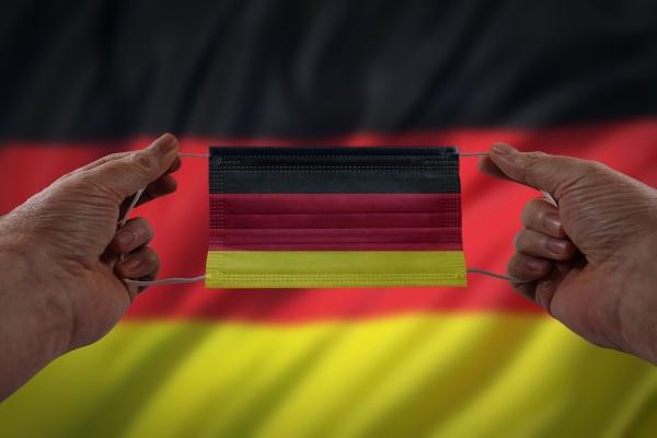 В Германии выявили первый случай заражения новым штаммом коронавируса