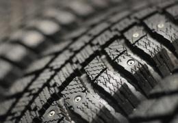 В связи с теплой погодой департамент рекомендует поменять на автомобилях резину на летнюю