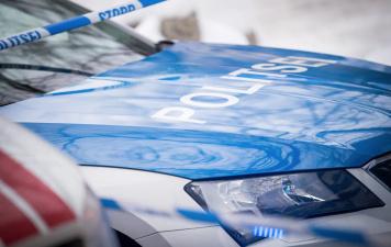 В Тарту трехлетний ребенок ночью гулял по проезжей части: полиция была в шоке