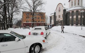 В феврале в Эстонии число браков ненамного превысило количество разводов