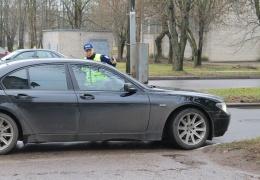 Полиция объясняла в Нарве опасность использования противотуманных фар с ближним светом