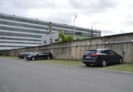 Нарвский театральный центр объявил конкурс идей на оформление стометровой бетонной стены