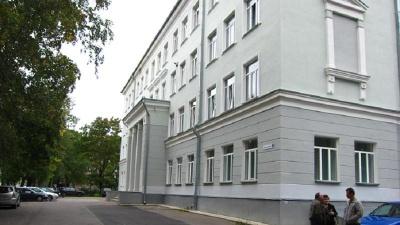 Уволенная учительница Кренгольмской гимназии отсудила у Нарвы свыше 9000 евро