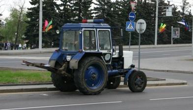 Знаменитый минский милицейский трактор-эвакуатор