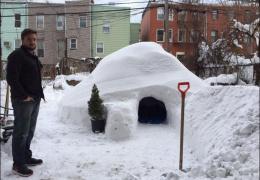 Житель Бруклина построил иглу и попытался сдать его в аренду за $200