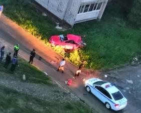 Муж трактором разбил машину жены