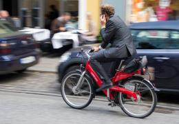 Комиссия Рийгикогу рекомендует изменить ПДД для защиты велосипедистов