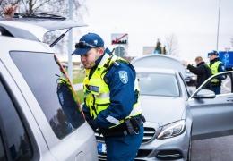 На северо-востоке Эстонии за год по звонкам на номер 112 задержали 75 нетрезвых водителей