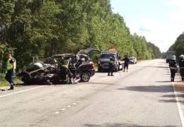 На Таллиннской окружной дороге погиб водитель столкнувшегося с грузовиком автомобиля