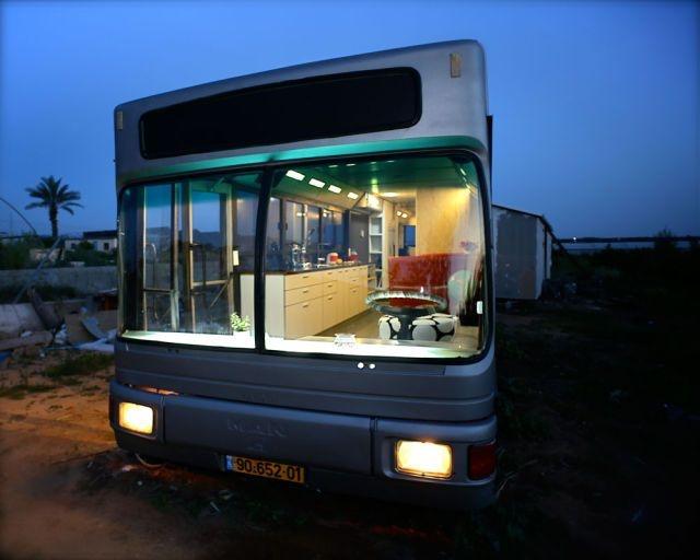 Роскошное жилье внутри старого автобуса