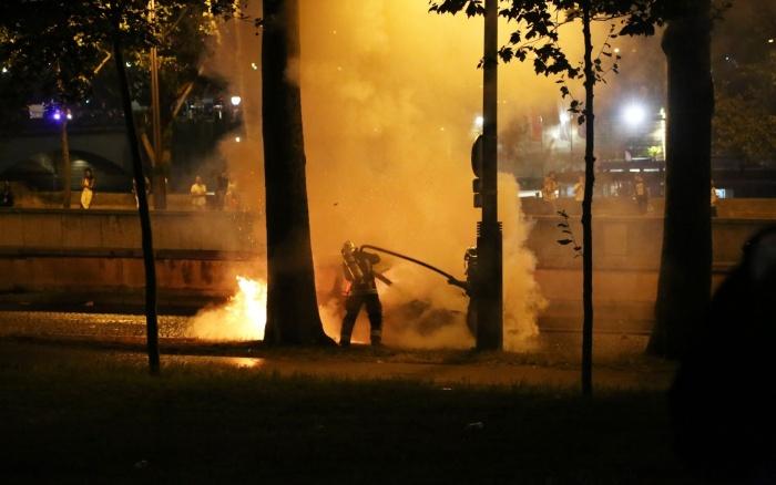 В среду ночью в Нарве загорелись две машины