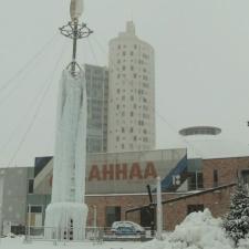 Рядом с центром AHHAA в Тарту появилась 12-метровая сосулька