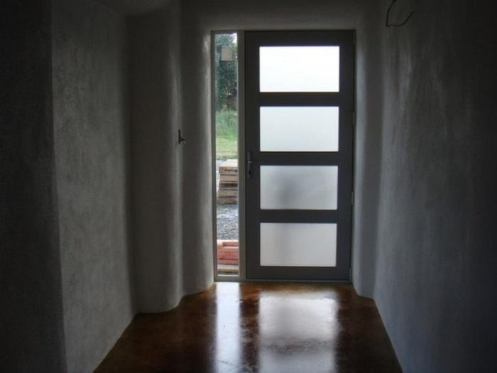 Современный соломенный дом