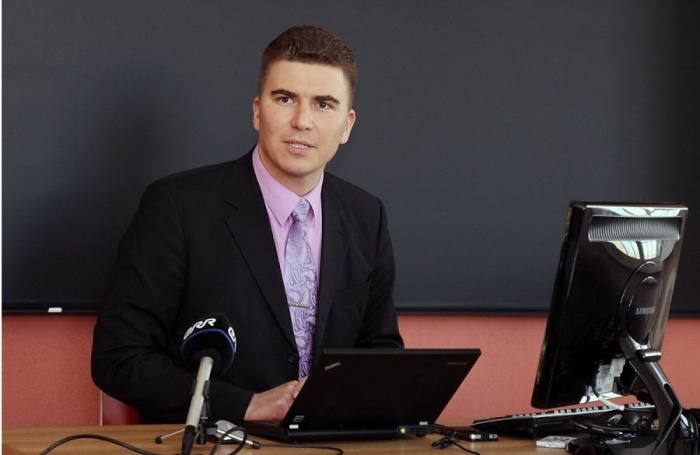 Александр Людвиг отстранен от работы